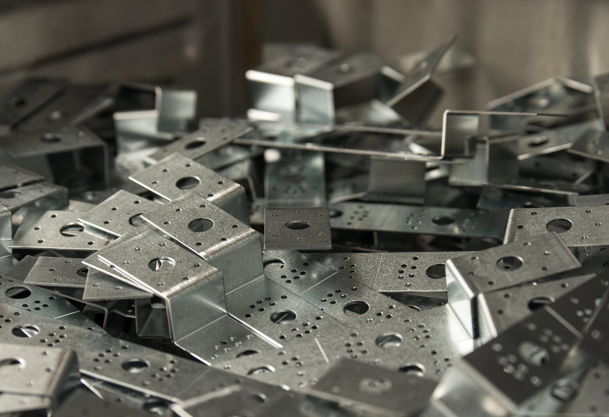 Stampaggio componenti elettriche